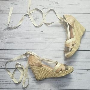 Old Navy wedges lace up creme tan